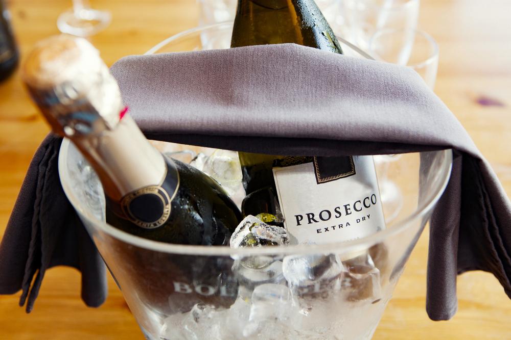 プロセッコおすすめ7選!品種・味・DOCや選び方も【高品質イタリアスパークリングワイン】