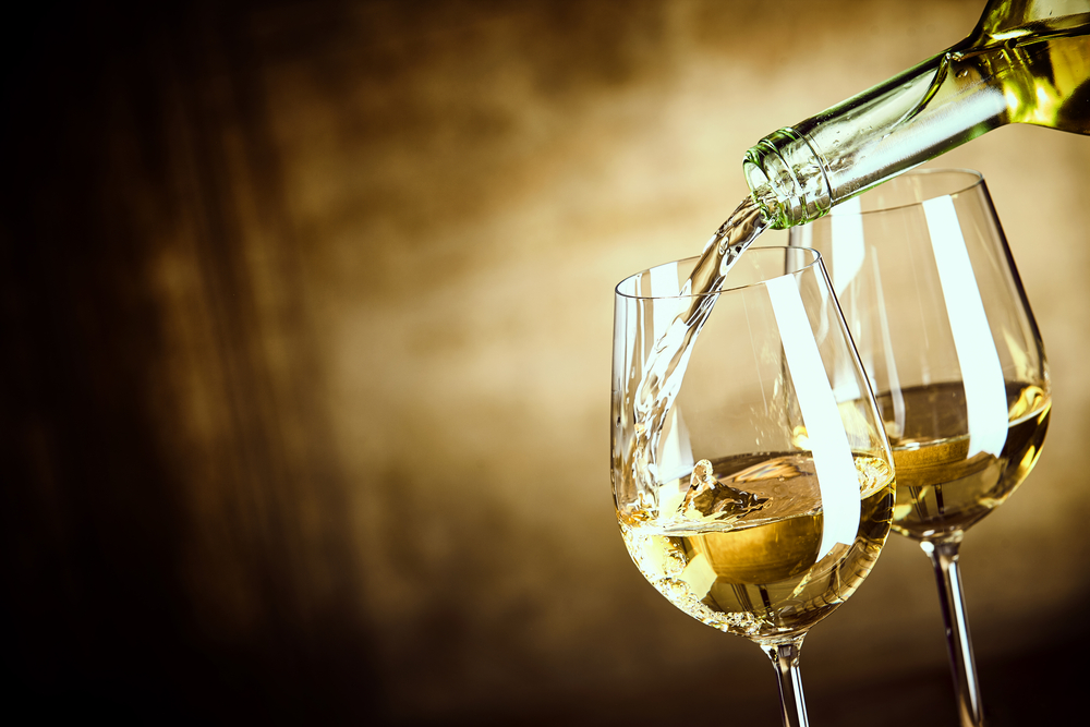 世界三大貴腐ワインとは?おすすめ銘柄や飲み方・食べ合わせを紹介
