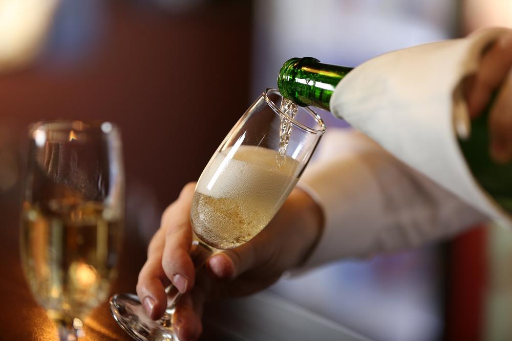 お手頃スパークリングワインおすすめ7選【安いのに味は本格派!夏にも最適】