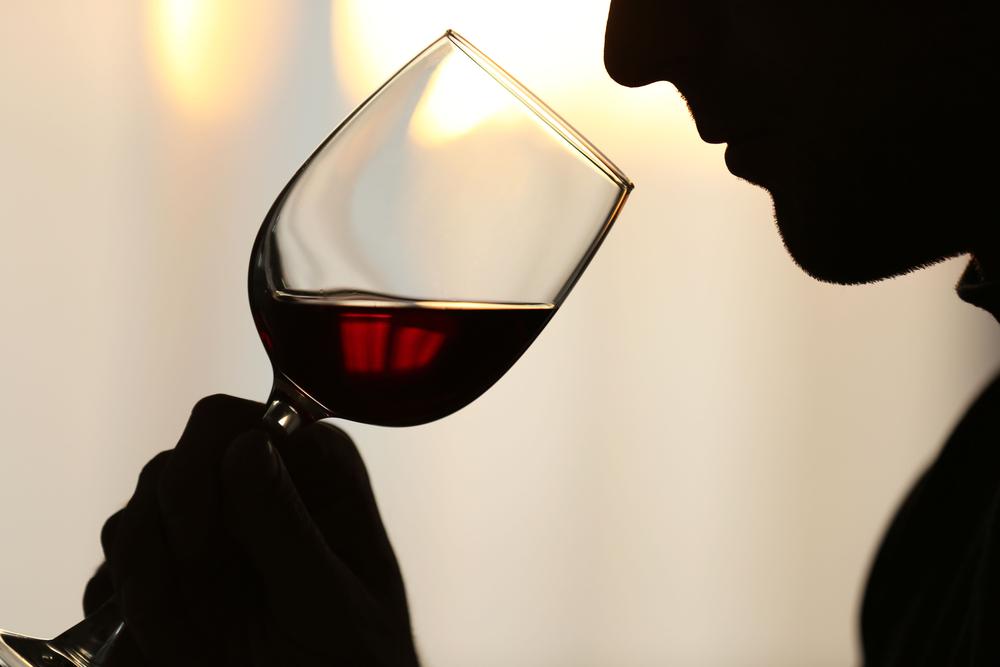 「アロマ」と「ブーケ」って何?ワインの香りの分かる男になろう!
