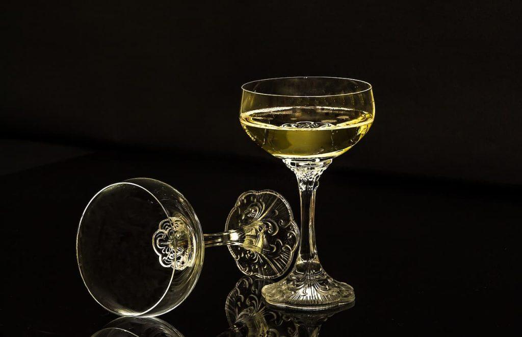 クープ型のグラス