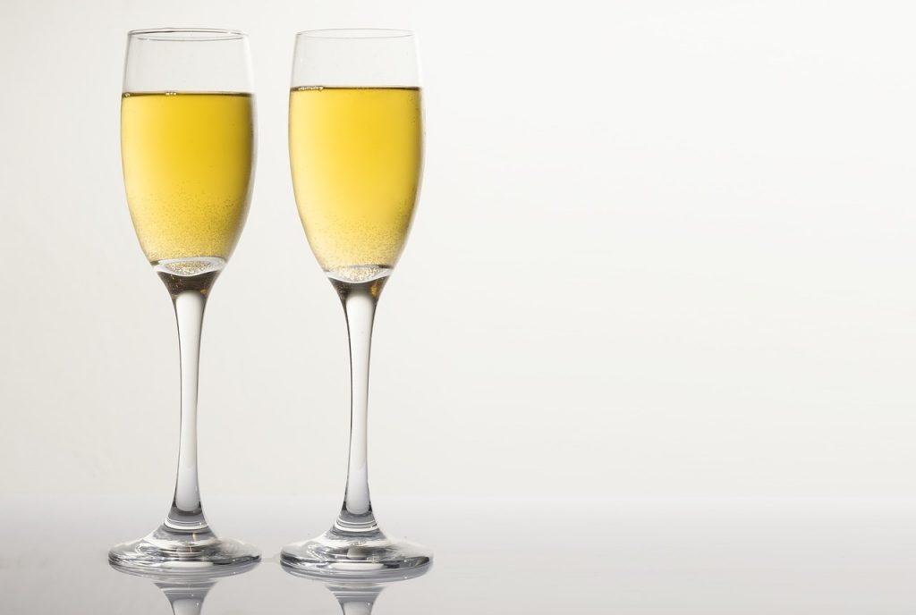フルート型のグラス