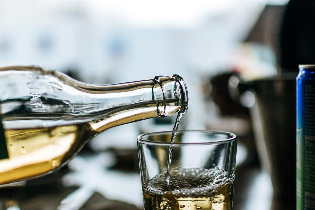 白ワイン(甘口・極甘口)おすすめ5選【ワイン初心者でも飲みやすい】